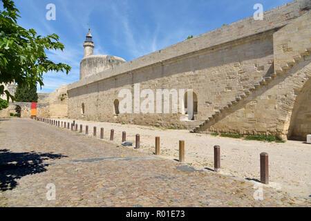 La fortificación y la torre de Constance de Aigues Mortes, las murallas de la ciudad francesa en el departamento de Gard, en la región del sur de Francia Occitanie