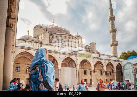Hermosa Mezquita Azul. Estambul, Turquía - 19 de septiembre de 2018. Foto de stock