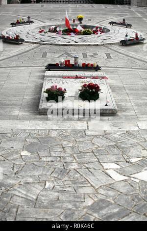 Sepulcro del General Wladislaw Anders en el cementerio de guerra polaco Monte Cassino, Italia con sus soldados caídos del ejército polaco libre WW II