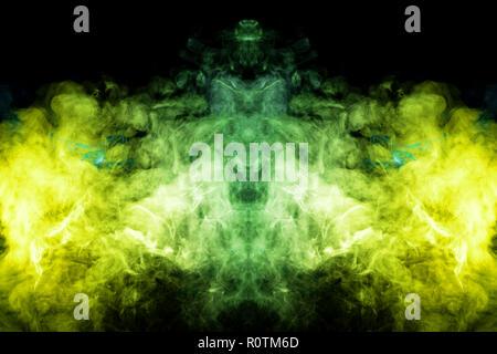 Mocap para enfriar t-shirts. Colorido gruesa azul, amarillo y verde humo en la forma de un monstruo en un aislado negro de fondo. Antecedentes de la SMO