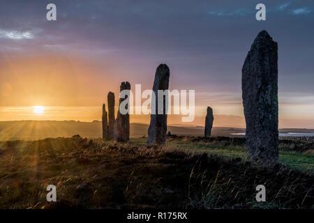 En anillo de Brodgar Orkney neolítico Standing Stones, Stone Circle, el solsticio de verano.