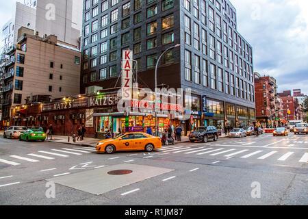 Katz's Deli, una tienda de delicatessen diner en el Lower East Side, Manhattan, Ciudad de Nueva York, N.Y, en los Estados Unidos de América. Ee.Uu.