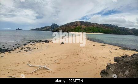 Vista de Waya Isla, dos islas conectadas por franjas de arena, Fiji