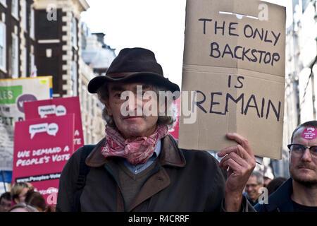 Voto popular campaña de marzo: Cientos de miles de personas asisten a Londres Pro-UE protesta Anti-Brexit Oct 2018