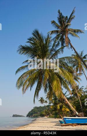 Tailandia, la provincia de Trat, Koh Chang, playa solitaria