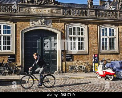 El Museo Nacional de Copenhague, Dinamarca, en Escandinavia. El museo está ubicado en el Palacio del Príncipe, construido en 1743-44.