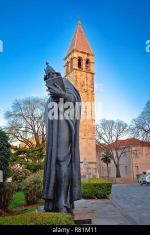 Split Grgur Ninski antigua torre y ver la estatua, la región de Dalmacia en Croacia Foto de stock