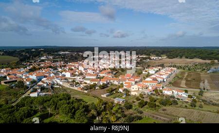 Vista de la Santa Justa,Coruche Santarem, Portugal. Antena drone foto a vista de pájaro.