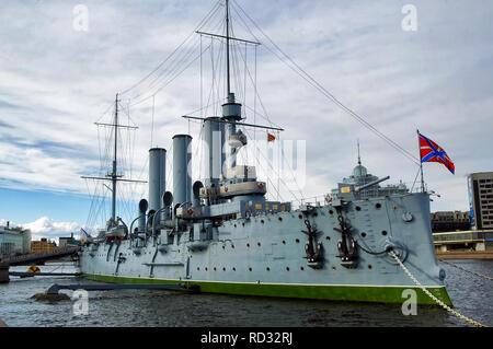 San Petersburgo, Rusia - Mayo 14, 2006: La Aurora es un crucero protegido ruso 1900 conservada actualmente como un barco museo Foto de stock