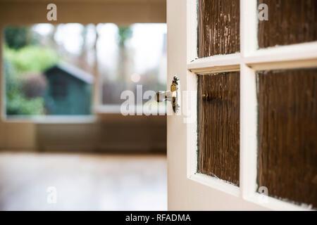 Perilla de la puerta cerca de la sala de estar, home concepto