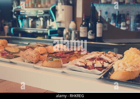 Pinchos, snacs español tradicional