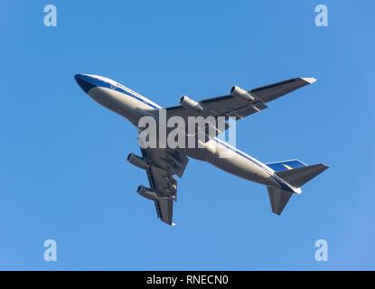 Londres Heathrow, Reino Unido. 19 Feb 2019. British Airways aviones Boeing 747-436 (100 Retro-en la vieja librea BOAC) despegando desde el aeropuerto de Heathrow, Greater London, England, Reino Unido Crédito: Greg Balfour Evans/Alamy Live News