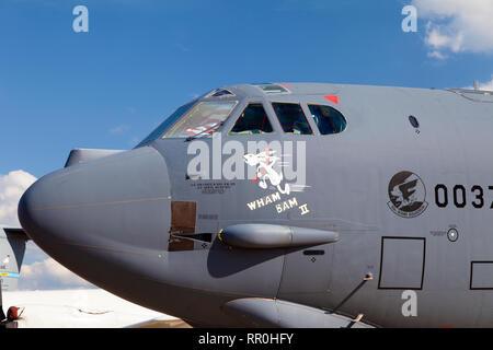 Vista del Boeing B-52 americano bombardero estratégico presentado por el salón aeroespacial internacional MAKS, Zhukovsky, Rusia