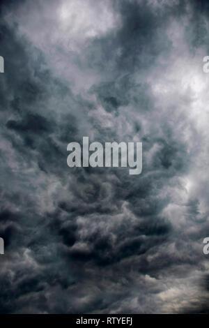 Inusuales, cloud computing, formación, lluvia cumulous, oscuro, remolinos,