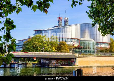 Estrasburgo, Francia - El Tribunal Europeo de Derechos Humanos en Estrasburgo edificio - el imperio de la ley para los países europeos, Octubre 12, 2018