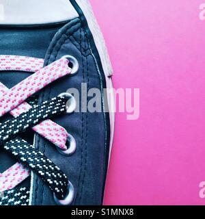 de foto con mujer funky cordones de de de una una Detalle el fgbyv7Y6