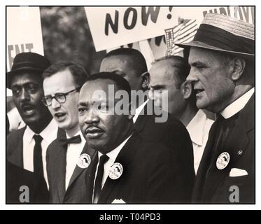 """El Dr. MARTIN LUTHER KING los derechos civiles'' Marcha en Washington, D.C."""" por el trabajo y la libertad."""" Dr. Martin Luther King, Jr. y Mathew Ahmann con derechos civiles manifestantes Washington DC, EE.UU. Agosto 28 1963 la fecha 28 de agosto de 1963"""