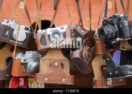 Moscú, 08 de junio de 2018. Mercado Central.cámaras Vintage. Equipos fotográficos antiguos
