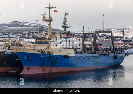 La pesca de arrastre de Brest, de Rusia, en el puerto de Kirkenes, en el norte de Noruega.