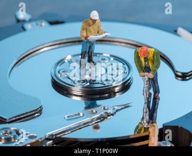 Ilustración del concepto de la inteligencia artificial o la minería de datos con disco duro