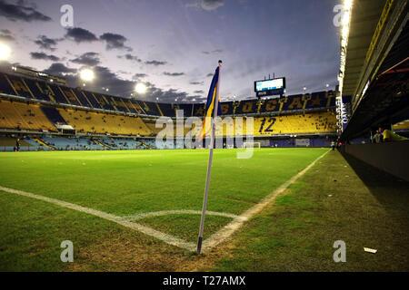 Buenos Aires, Argentina - Marzo 30, 2019: Alberto J. Armando Stadium también llamado La Bombonera vista nocturna de La Boca, Buenos Aires, Argentina