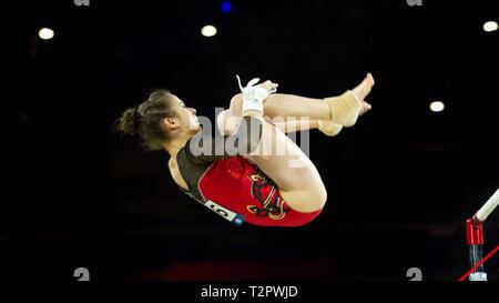 Birmingham, Inglaterra, Reino Unido. 23 de marzo, 2019. Alemania Leah Grießer en acción durante la mujer bares desigual competencia, durante el año 2019 la gimnasia World
