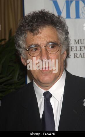 LOS ANGELES, CA. Noviembre 10, 2003: el actor Elliott Gould en el Museo de Televisión & Radio Gala, en Beverly Hills.