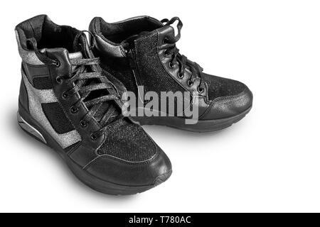 Un alto Top Classic blanco y gris zapatillas de baloncesto