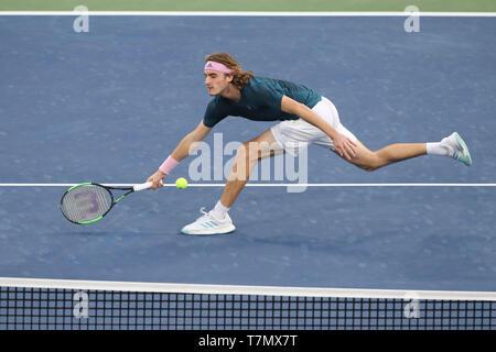 Jugador de tenis griego Stefanos Tsitsipas jugar durante los Campeonatos de Tenis de Dubai de 2019, Dubai, Emiratos Árabes Unidos.