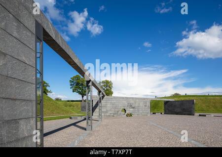 El Monumento de esfuerzo internacional de Dinamarca desde 1948 por el artista finlandés Reinbothe, 2011; Kastellet (La Ciudadela), Copenhague, Dinamarca