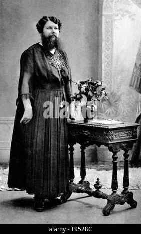 Clémentine Clatteaux Delait (5 de marzo de 1865 - 5 de abril de 1939) fue un francés barbudo dama. Ella comenzó a crecer vello facial mientras que ella era una adolescente. En 1885, se casó con un panadero local, cambió su nombre a Delait y abrió una cafetería y panadería en la aldea de Taon-les-Vosges. Hasta ese punto Clementine había quitado su barba cada día, pero mientras trabajaba en el café hizo una apuesta con un cliente para permitirle crecer. Foto de stock