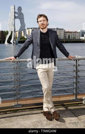 Berlín, Alemania. 20 de mayo de 2019. Michael Fassbender en el 'X-Men: Dark Phoenix' photocall en Spreeufer el 20 de mayo de 2019 en Berlín, Alemania.   Verwendung weltweit Crédito: dpa/Alamy Live News