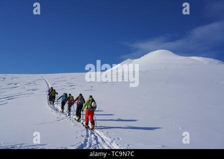 Esquí en los Alpes Lyngen, Lyngen península, Condado de Troms, Noruega, Europa