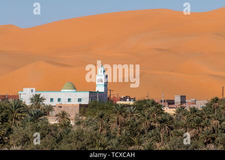 Vistas del oasis de palmeras en Beni Abbes, el desierto del Sahara, Argelia, Norte de África, África