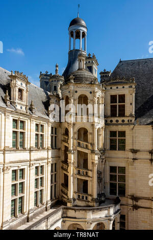 Fuera de la torre Royal Chateau de Chambord, , Valle del Loira, Loir-et-Cher, Center-Val departamento de Loire, Francia, Europa