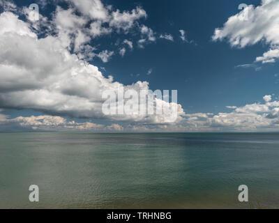Cloudscape sobre mar, Cardigan Bay, Gales