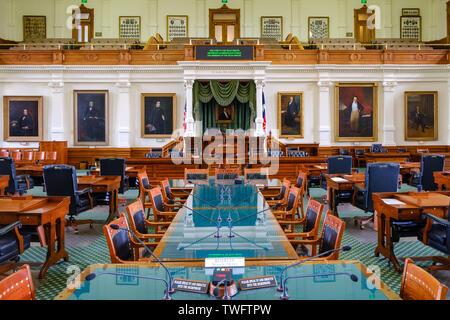 AUSTIN, Texas - El interior de la cámara del Senado de la Legislatura del Estado de Texas en el interior del Capitolio del Estado de Texas, en Austin, Texas.