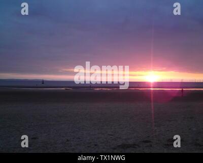 Crosby Beach es parte de la costa de Merseyside al norte de Liverpool en el municipio Metropolitano de Sefton, Inglaterra.; 3 de junio de 2010, 22:59 (UTC); obra Propia (texto original: I (Towerbktom (Talk))) creó esta obra enteramente por mí mismo.); Towerbktom (Talk); Foto de stock