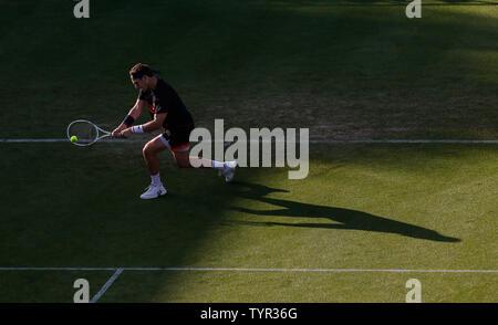 Devonshire Park, Eastbourne, Reino Unido. El 26 de junio, 2019. Nature Valley torneo de tenis internacional; Cameron Norrie (GBR) desempeña un disparo de revés contra Kyle Edmund (GBR) Credit: Además de los deportes de acción/Alamy Live News
