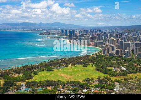 Vista aérea de Honolulu en Oahu, Hawaii, EE.UU.