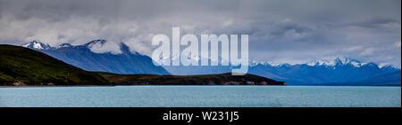 Una imagen panorámica del lago Tekapo y los Alpes del Sur, la región de Canterbury, Isla del Sur, Nueva Zelanda
