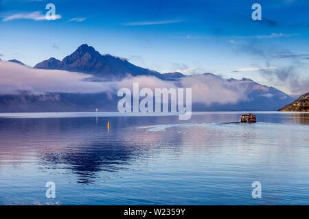 El lago Wakatipu, Queenstown, Otago, Isla del Sur, Nueva Zelanda