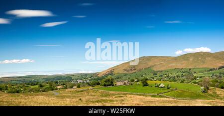 Sedbergh, Cumbria, Reino Unido, y Frostrow Soolbank, vistas panorámicas de las colinas de Tom Croft Howgill Cerro Mirador en carretera a Hawes a través Garsdale
