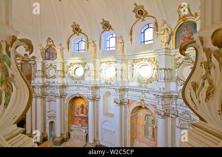 Interior de la Chiesa di Santa Chiara, Noto, en Sicilia, Italia