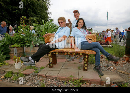 Knutsford, Reino Unido, 17 julio, 2019. Jardineros de la comunidad a la RHS anual flower show, Tatton Park, Knutsford, Cheshire, Reino Unido. Crédito: Barbara Cook/Alamy Live News