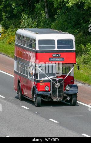 Aec Leyland Bus; Vintage Especial Bodas UK el tráfico vehicular, transporte, classic, veterano, viejos autobuses, Sur-dependientes en el 3 de la autopista M6 carril de la autopista.