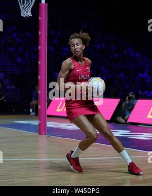 Serena Guthrie (ENG) en acción durante la vitalidad Netball World Cup 2019 a M&S Bank Arena Liverpool Reino Unido el 18 de julio de 2019. GlennSports.
