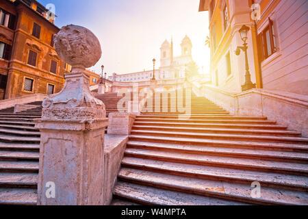 Los pasos españoles famosos de Roma ver amanecer, la ciudad eterna y capital de Italia