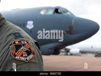 Boeing B-52 Stratofortress llegar a RAIT 2019, desde su Base de la Fuerza Aérea de Barksdale Louisiana, EE.UU., para exposiciones y para tomar residencia temporal.