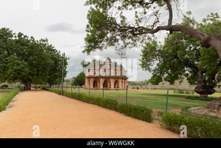 Lotus Mahal en el Zenana Gabinete en Hampi, al sur de la India.